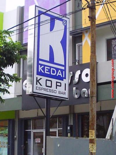 Detail Produk Neon Box Kedai Kopi Utero Advertising